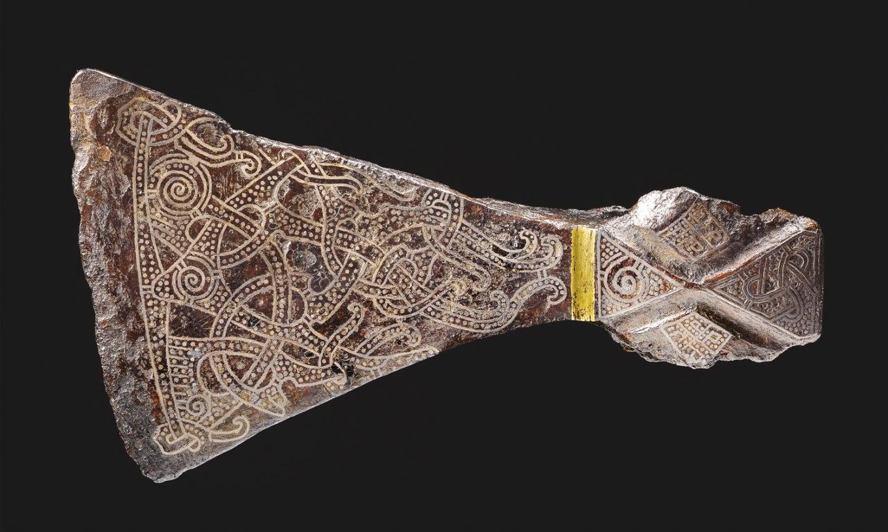 Axtkopf mit Silbereinlagen im Mammen-Stil, 9. Jh. © Nationalmuseum Dänemark