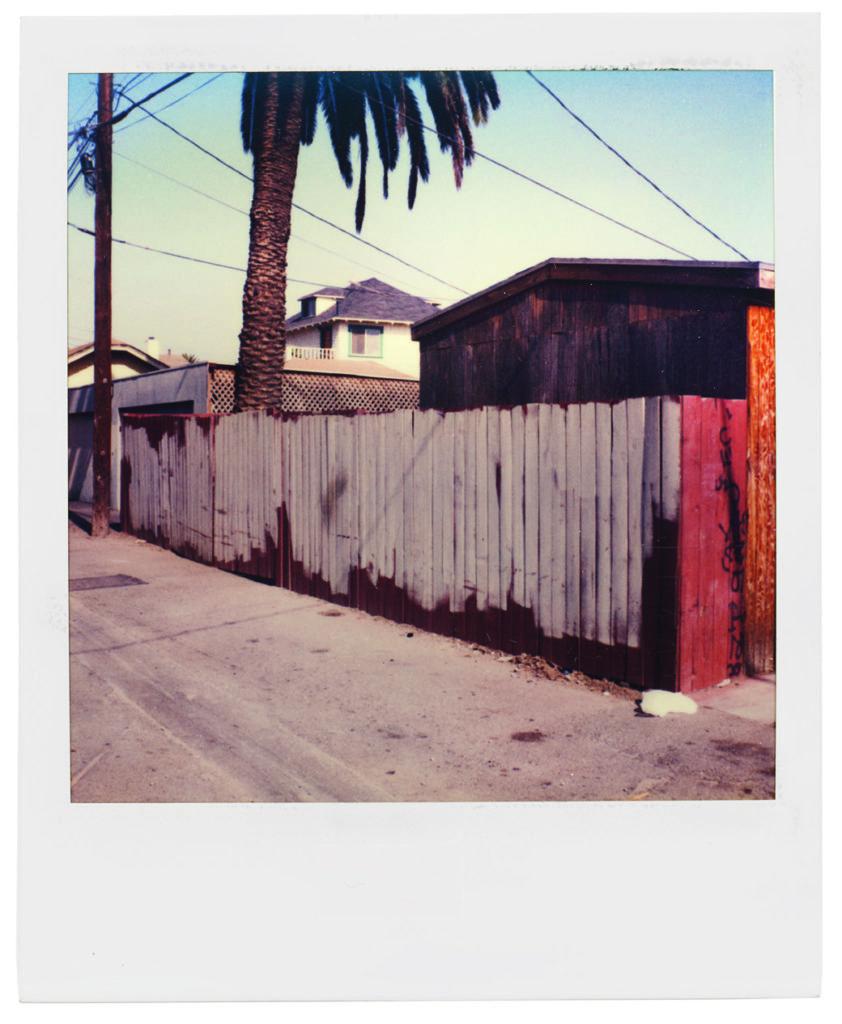 Dennis Hopper, Los Angeles, Back Alley, 1987 © Dennis Hopper, Courtesy of The Hopper Art Trust